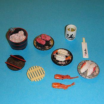 3 Assiettes Japonaises, une marmite, un verre et des baguettes – 786CU34